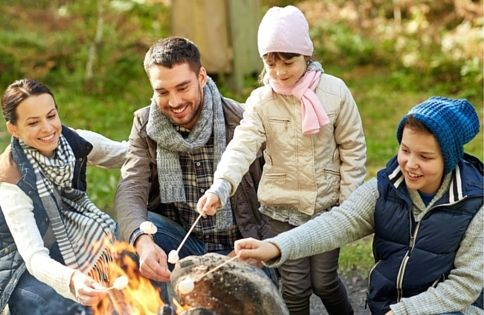 Looking to have some fun around the campfire this summer? Try this list of fun campfire games. These 7 games are sure to result in fun times and lots of laughter.