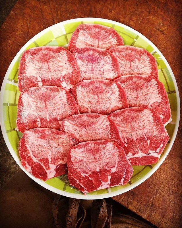食欲の秋、加速してます(^^) #うまい #牛タン #焼肉 #霜降り肉 #肉#おいしいもの #肉好き #タン塩 #肉のすずき #おすすめ #お肉好き #にく