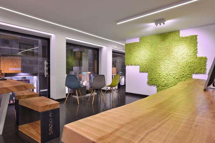 #living #legno #scale #tavoli #incontri #verde #bianco #edera #colore #lavoro #spazio #creativo #falegnamo
