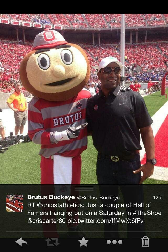 Brutus & Hall of Famer Cris Carter
