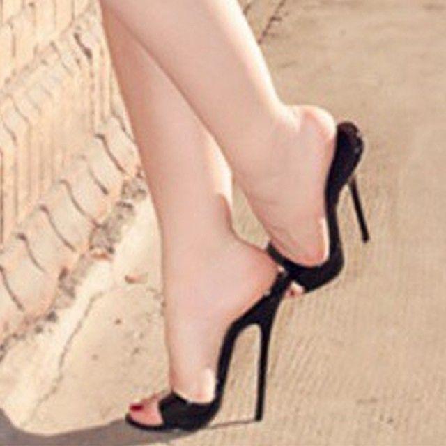Do u like these black high heels mules?