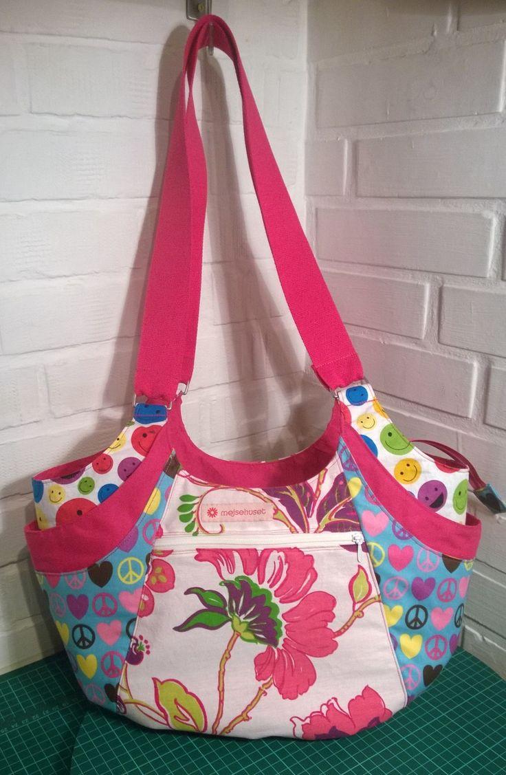 Quatro bag :-)  https://www.facebook.com/groups/1421467161440576/
