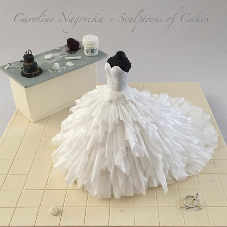 17 Best 1000 images about Wedding Dress Cakes on Pinterest Wedding