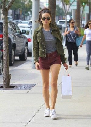 Crystal Reed in Shorts Shopping -02