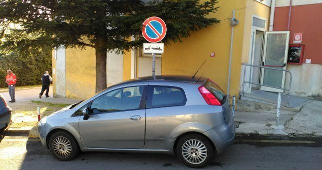 Tempio+Pausania,+Parcheggi+dell'ospedale+violati,+nessun+rispetto,+nessuna+regola,+nessuna+sanzione.