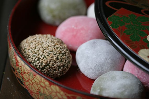 How To Make Mochi: Daifuku Mochi, White Beans, Fun Recipes, Mochi Recipes, Rice Cakes, Sweet Rice, Sweet Red Beans Japan, Cakes Fillings, Red Food
