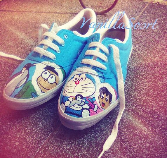 #doraemon #handpaintedshoes #blueshine