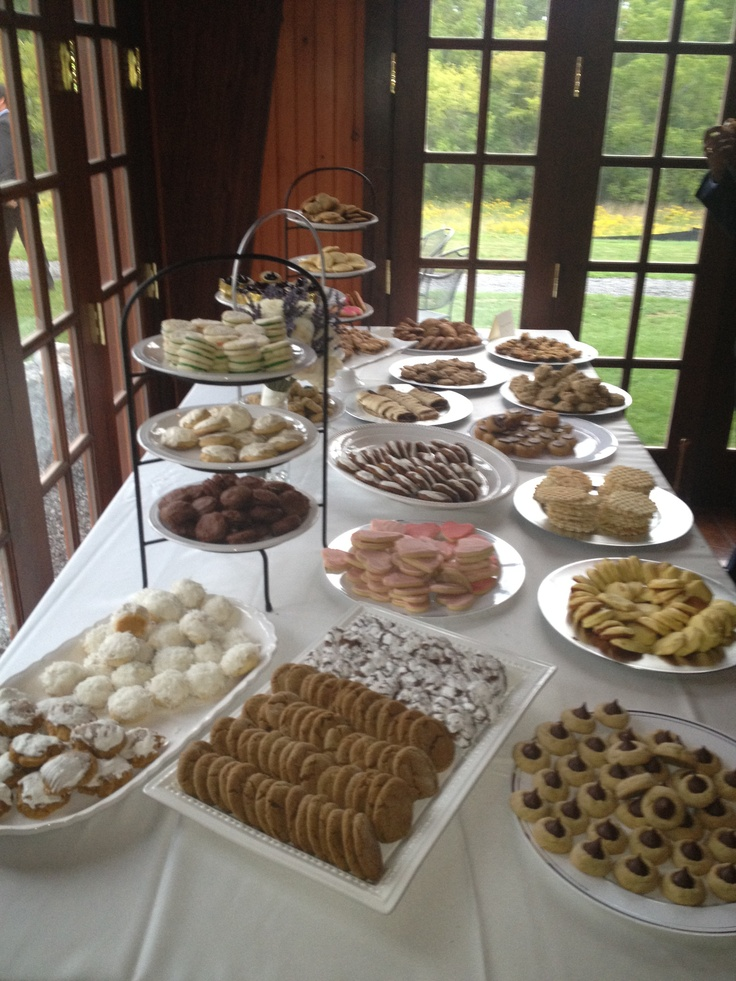 The 188 best Cookie table ideas - Emily & Mike images on Pinterest ...