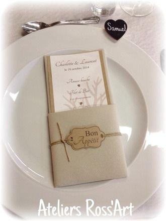 Menu table mariage nature, kraft, toile de jute  Carton kraft +/- 20cm x 9cm Feuillet blanc scintillant +/- 19cm x 7.50cm Etiquette ''menu'' en papier kraft + corde lin  Prix - 11335157
