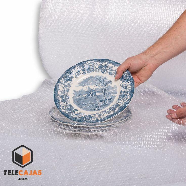 Plastico de burbujas para protejer platos y vajillas delicadas (http://www.telecajas.com) #embalajes #mudanza #platos #plasticoburbujas