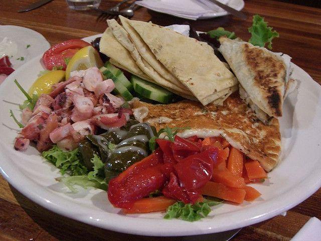 """[What to eat] #Mezedes noti anche come #orektikà, sono degli #antipasti composti da sottaceti, sottoli e olive nere, immersi quasi sempre nell'ottimo formaggio locale la """"Feta"""", di fama mondiale, innaffiato di olio extravergine di oliva di altissima qualità, che i greci usano per qualsiasi piatto in quantità industriali."""
