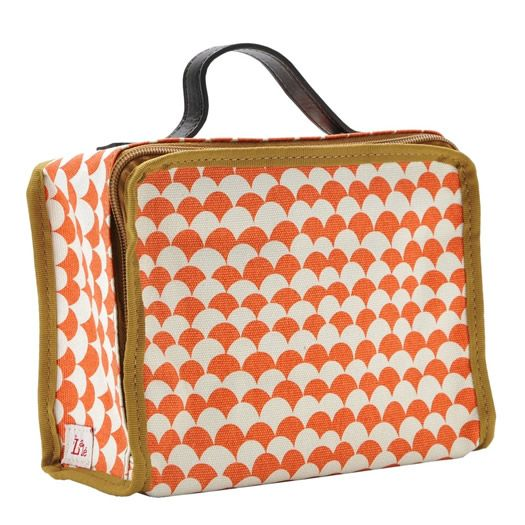 Lalé children's suitcases - my boys would never appreciate them, but I'm sure I can find a use of my own... Adorbs!