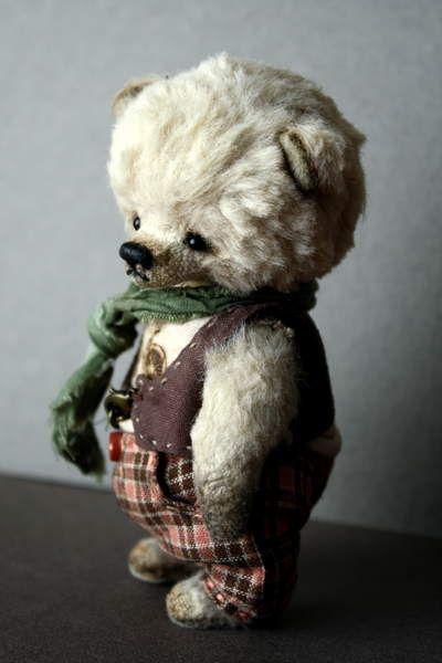 George By Natalia Shigareva - Bear Pile