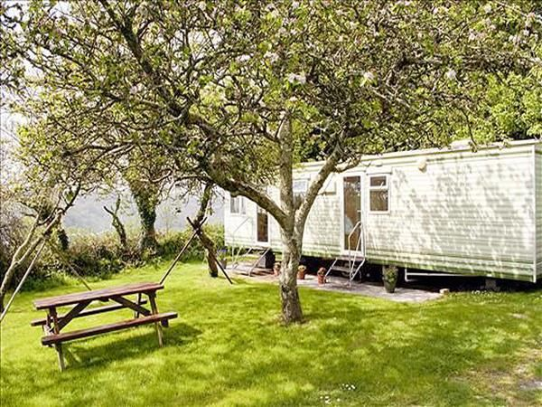 Find Family Static Caravans Lodges And Holiday Park Homes For Hire Available To Rent At Yeate Farm Caravan Site Near Fowey In Cornwall