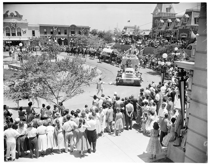 This Is What Disneyland's Opening Day Looked Like In 1955