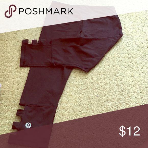 Workout or yoga pants Adorable open design crops! scorpio sol Pants Capris
