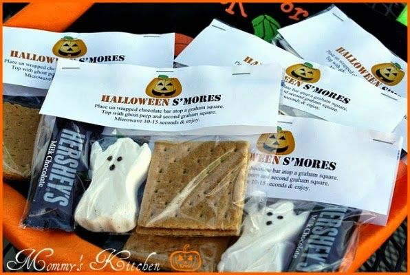 Mommy's Kitchen -  Halloween Ghost Peep S'mores #halloween
