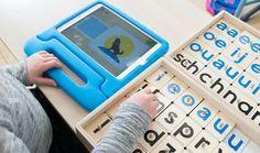 Kiene klanken is een interactieve klankstempelset waarmee kleuters of kinderen uit groep 3 spelenderwijs de letters, klanken en woorden kunnen oefenen.