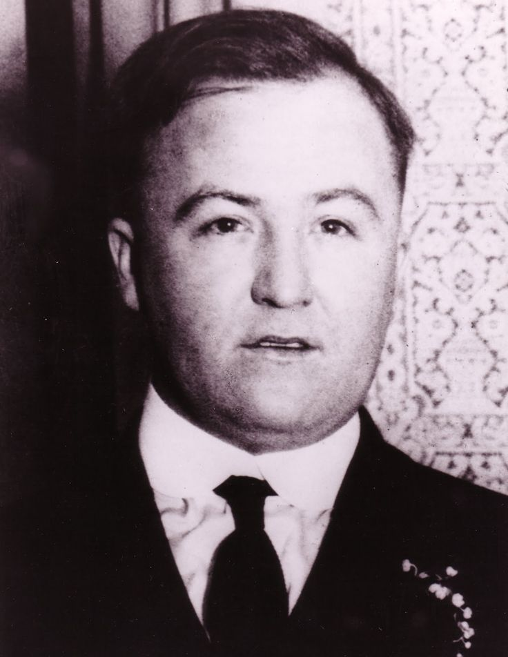 Charles Dean O'Banion (July 8, 1892 – November 10, 1924) was an Irish-American mobster who was the main rival of Johnny Torrio and Al Capone during the brutal Chicago bootlegging wars of the 1920s. The newspapers of his day made him better known as Dion O'Banion, although he never went by that first name. He led the North Side Gang until he was murdered by Frankie Yale, John Scalise and Albert Anselmi in 1924.