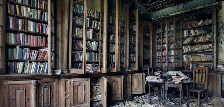 imagen-de-una-biblioteca-abandonada