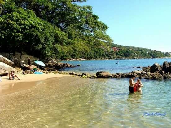 Praia da Sepultura - Bombinhas - Brasil