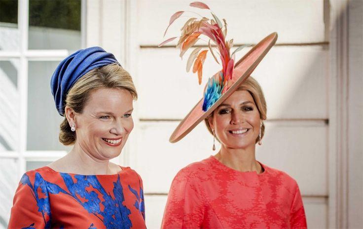 Koninginnen Mathilde en Máxima dragen bijpassende outfits - De Standaard: http://www.standaard.be/cnt/dmf20150521_01691800