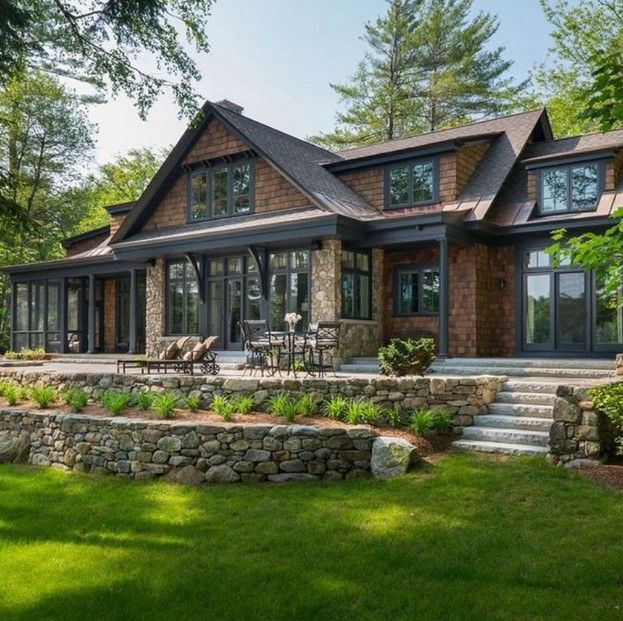 Exterior Home Colors 2019: 30+ Rustic Contemporary Lake House With Privileged