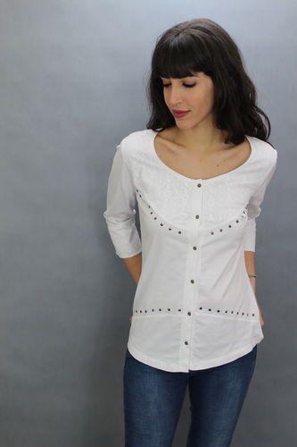 Camisa guipur. Marca Collie. 100% algodón. Mangas 3/4. Disponible en tres colores: blanco, beige y verde.