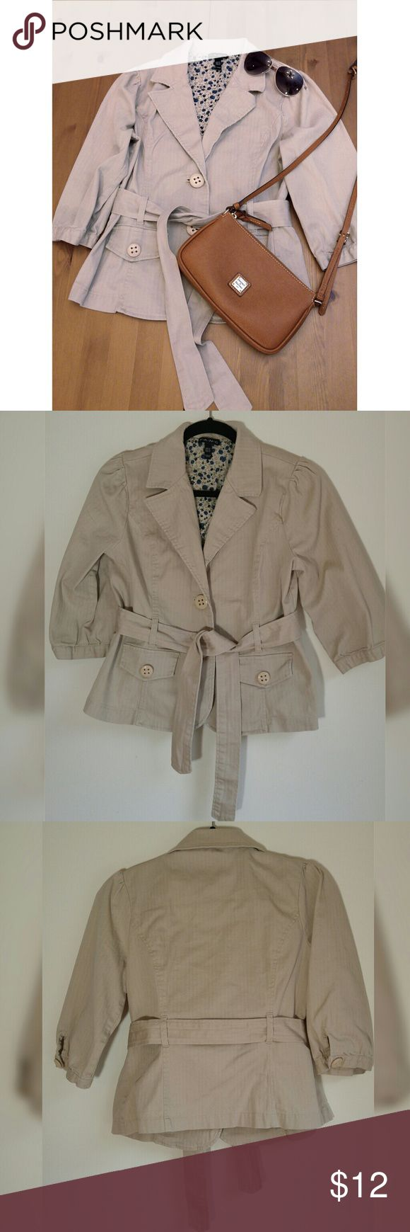 ✨Belted Light Khaki Blazer Belted light Khaki blazer with floral print interior. The material is a little stretchy. 97% cotton 3% spandex exterior, 100% cotton liner. Color is most like pic 2 and 3 in the natural lighting. Fits as Juniors XL or womens L  ✨Great condition, no pulls, flaws that I can see  ✨✨ Check out my other listings to get a bundle discount! I will answer any questions promptly ☺☺ Jackets & Coats Blazers