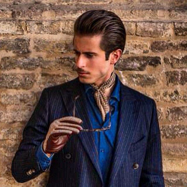 Buongiorno a tutti!  Nuovo post con @dents_leather @delsienagroup @tieapart ✌️ http://www.simplymrt.com/irish-tweed/ #moda #menswear #gentleman #irishtweed #bespoke #dents #dandy #dapper #style #outfit #fashion #fashionblogger