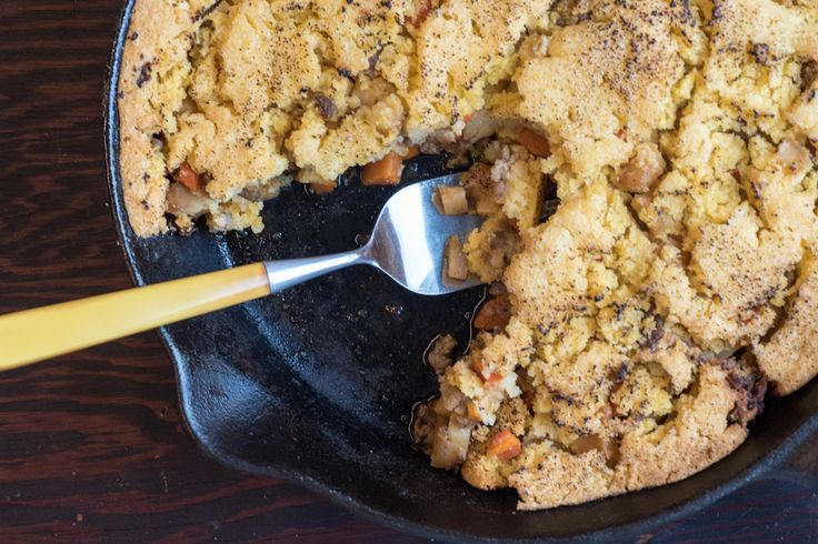 This version of shepherd's pie substitutes corn bread for the traditional potato…