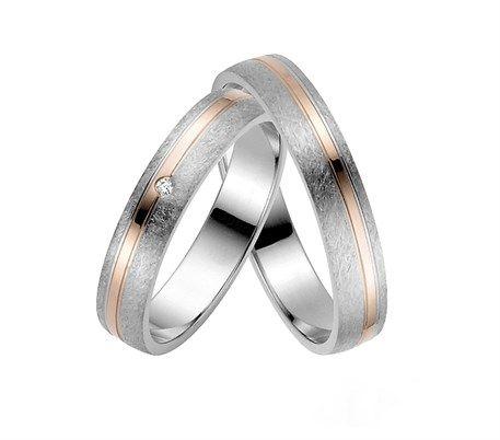 Taşlı ve rose altın kaplama 925 ayar gümüş alyans modellerimiz sizin ve sevdiğinizin parmağında harike görünecektir.