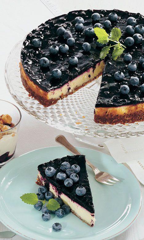 Skøn cheesecake med lækkert fyld af mango og blåbær.