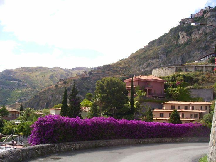 La via per Castelmola