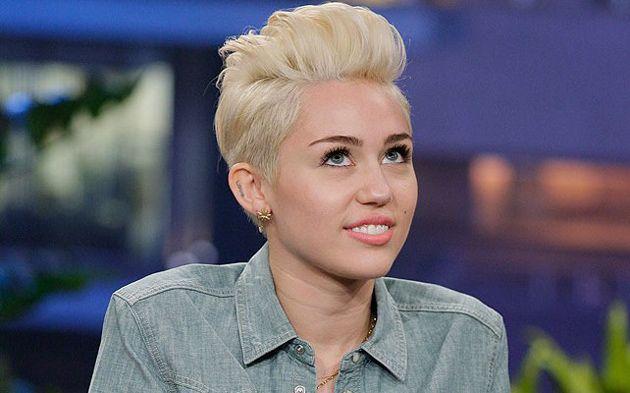 """Miley Cyrus Confiesa: """"Pensaba Que Me Moriría Si No Tenía Novio"""""""