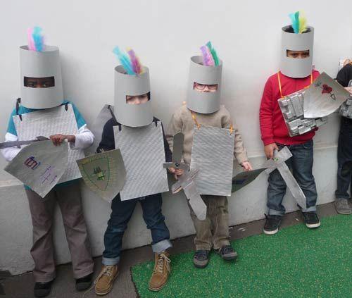 disfraz caballeros medievales con armadura, espada y escudo, con una de nuestras bolsas grises de plastico para disfraces tambien quedaria chulisimo este disfraz goo.gl/vqdZU0