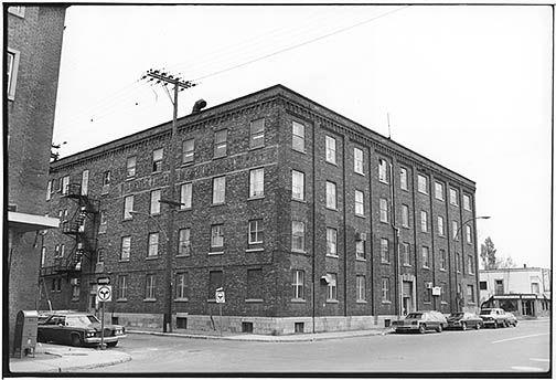 Ancienne usine Catelli 305, rue Bellechasse, Montréal (1980)
