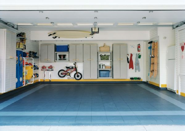 This Garage Is Sweet: That Is A Pretty Sweet Garage.
