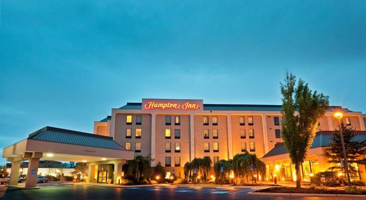 Hampton Inn Williamsport Williamsport This Williamsport, Pennsylvania hotel offers a free hot breakfast and free high-speed internet access. The Pennsylvania College of Technology and Herdic street car tour are within walking distance of the hotel.