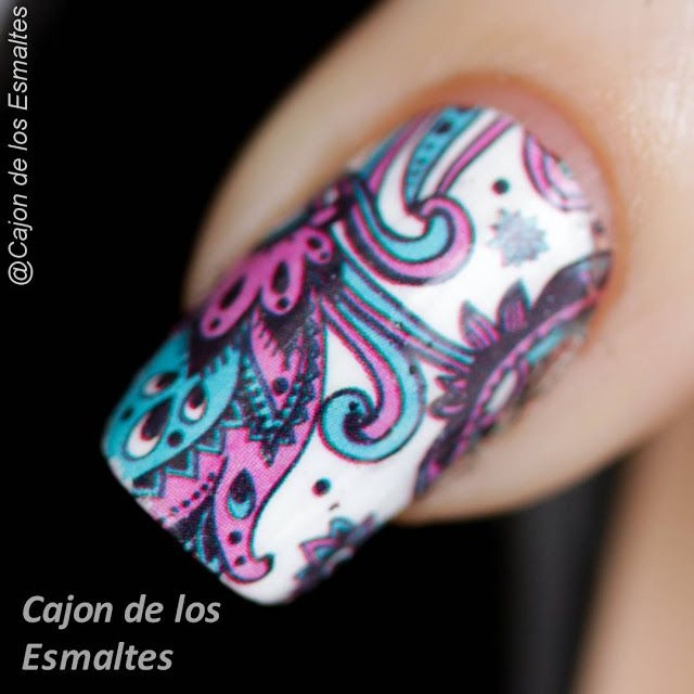 Tatuajes coloridos para uñas paisley - Nail art water decal or tattoo
