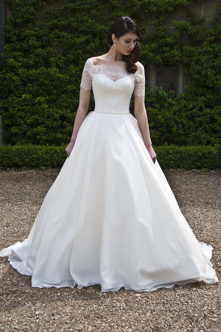 Augusta Jones 2013. If I ever do get a big princess dress this woukd be my version of it. Lace of course!