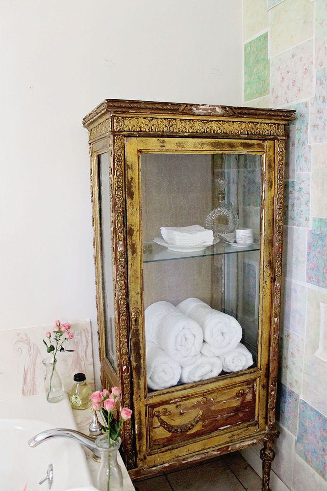 How to turn your builder grade mirrors into vintage French treasures