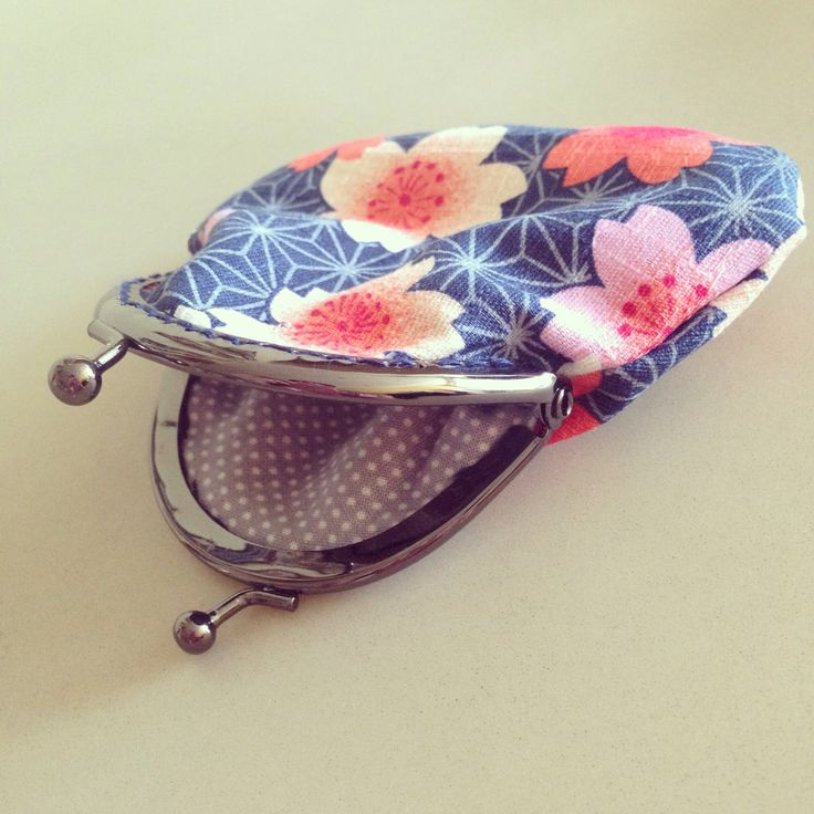 Metal frame coin purse in Japanese inspired fabric.