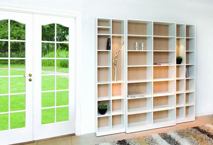 Klim's opstilling 6023 er et smukt eksempel hvordan man kan kombinere forskellige overflader i en bogreol.