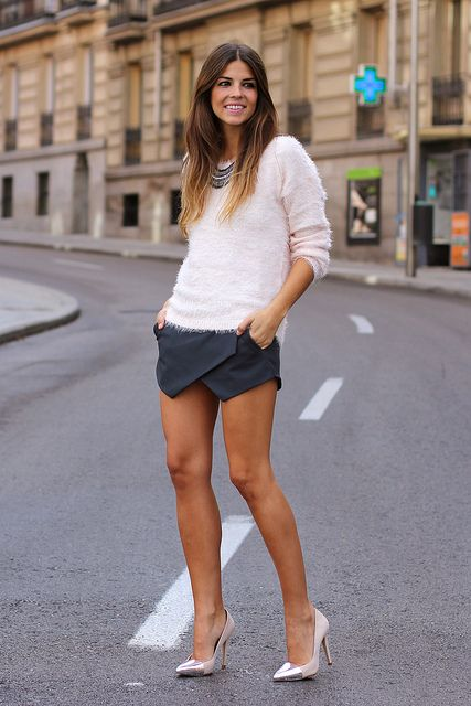 trendy_taste-look-outfit-street_style-zara-falda_pantalón-grey_skirt-silver_stilettos-estiletos_plateados-suiteblanco-jersey_pelo_rosa-pink_knit_sweater-polaroid-11 by Trendy Taste, via Flickr