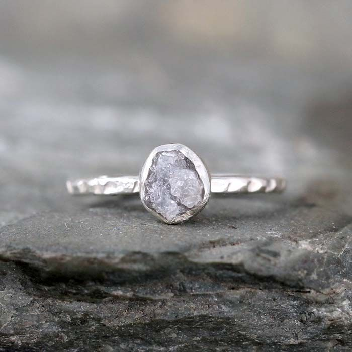 This sterling silver raw diamond ring from ASecondTime via etsy would look beautiful on a boho bride. #rawdiamondrings #engagements