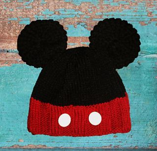 Learn how to make an adorable Mickey Mouse inspired hat. This pattern includes knitting in the round as well as loom knitting. Please visit www.eclecticknitknacks.weebly.com to download this pattern.