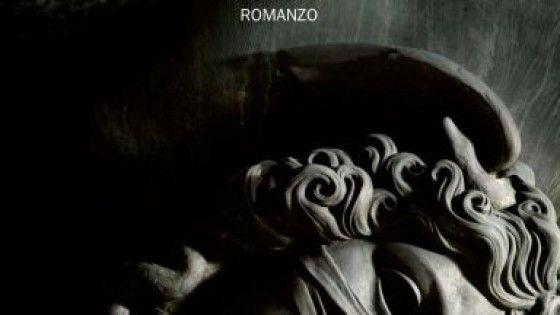Il romanzo di Carlo Bonini racconta parte dell'inchiesta Mafia Capitale che ha travolto la citta', ma non fino in fondo, e che tocca anche il traffico di esseri umani e il suo sfruttamento a Roma.