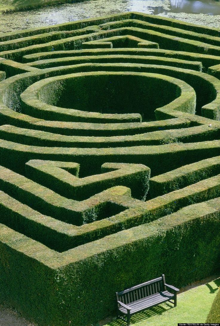 Hever, England During the Renaissance, it was trendy to plant a maze in your garden for sheer entertainment. Anne Boleyn grew up in Hever Ca...