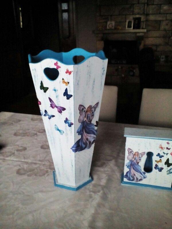 boyasi daha bitmedi. zemine lila ve mavi tampon yapılacak. semsiyelik, posta kutusu, anahtarlik takımı
